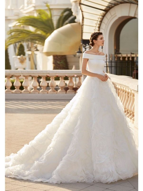 Dreamy Ruffle Wedding Dress