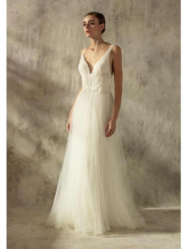 Lace Embroidered Tulle Wedding Dress