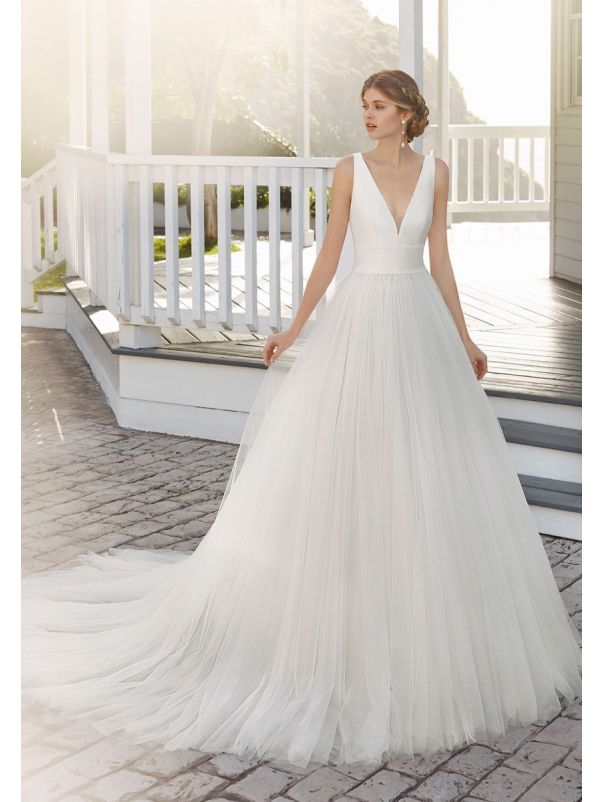 Minimalist Tulle Ball Gown With Open Back
