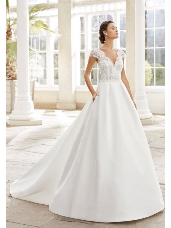 Embroidered Wedding Dress With Pockets