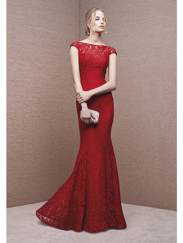 Red Lace Evening Dress With Open Back