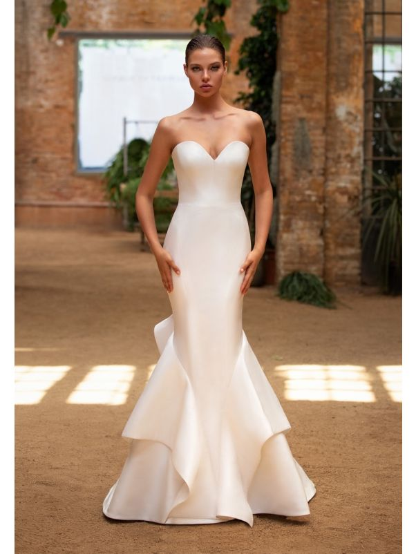 Fitted Wedding Dress With Ruffles